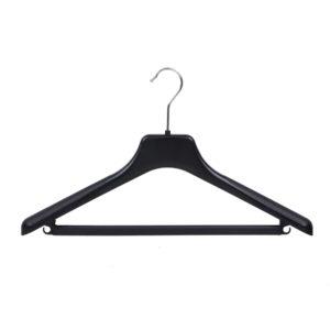 Black plastic suit hanger with bar and hooks JK44 402-118