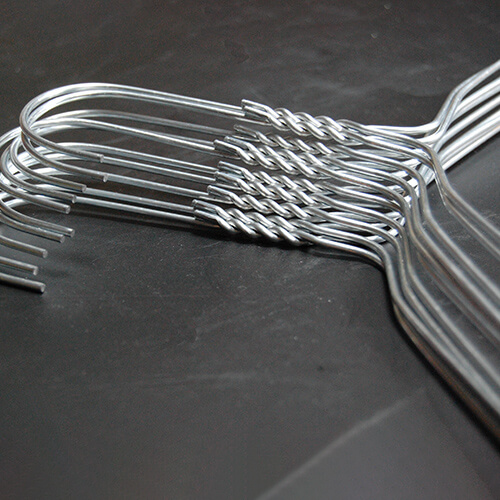 metal hanger 404 200 twirl neck